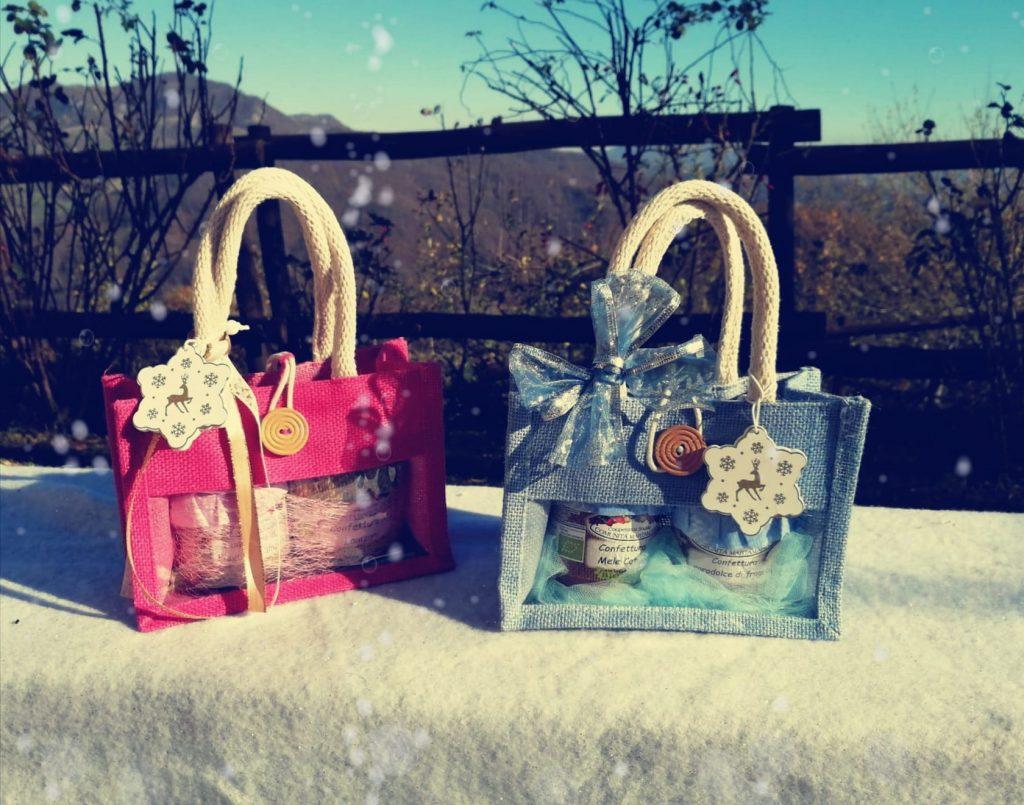 Confezioni regalo di Natale borsine in juta