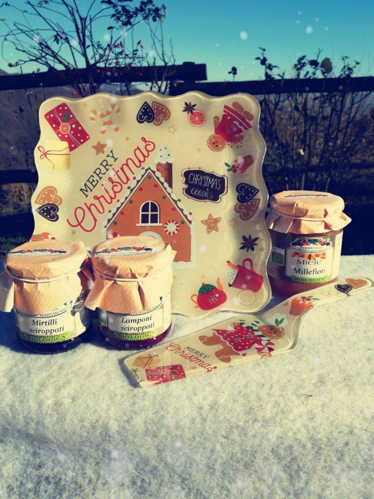 Idea regalo di Natale confetture biologiche con vassoio