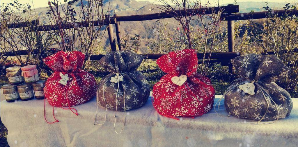 Confezione regalo di Natale con prodotti bio Comunità MartaMaria