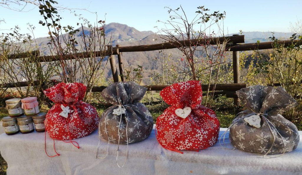 Confezioni regalo di Natale con prodotti bio Comunità MartaMaria