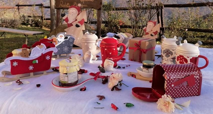 Pacchi regalo e confezioni di Natale con consegna a domicilio